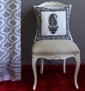 Paisley au Lait Throw Pillow