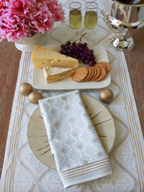 White Gold Romantic Elegant Dinner Napkins