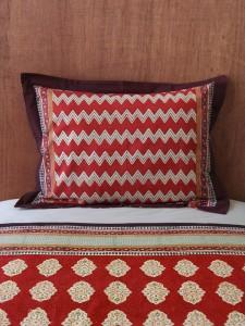 Spice Route (c) pillow shams