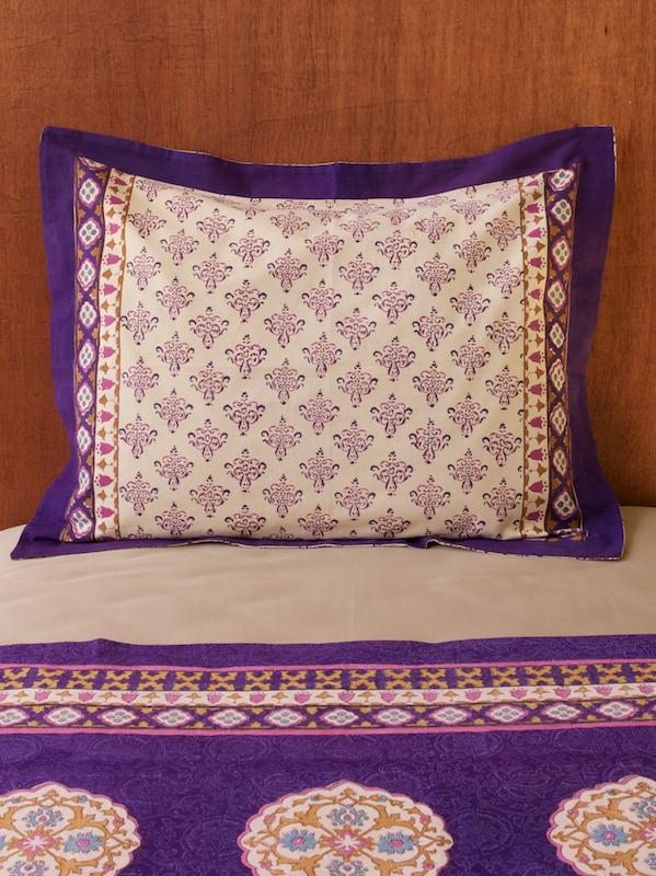 sp_c_moroccan_purple_fuchsia_tan_pillow_sham_main