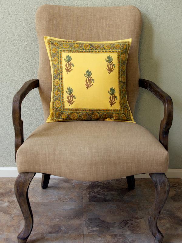 wotv_c_ocean_floral_yellow_cushion_cover_main
