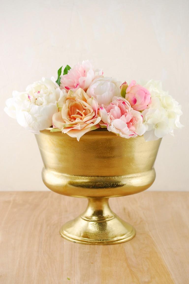 metal-vase-oval-gold-10-1 SaveOnCrafts