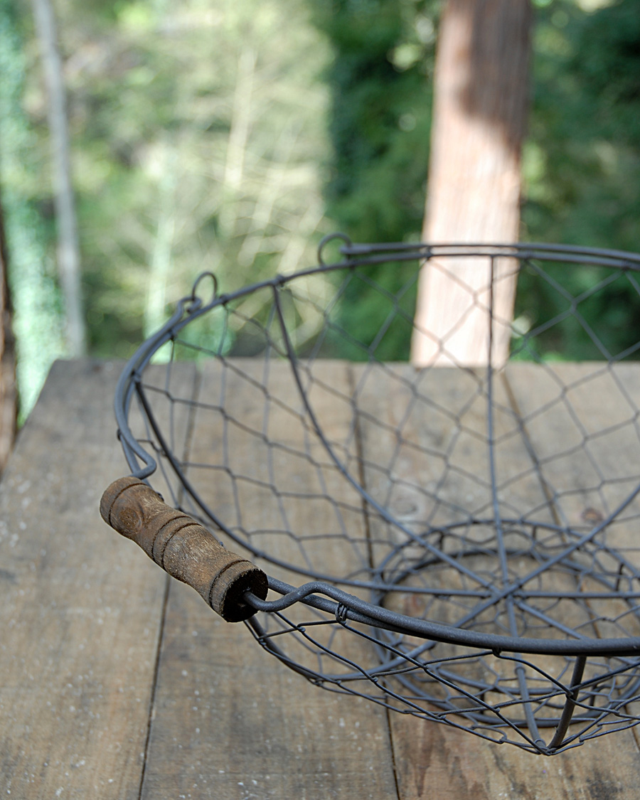 chicken-wire-basket-brown-2