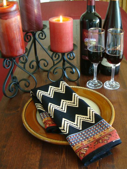 kn_black_and_white_zig_zag_print_dinner_napkin (1)