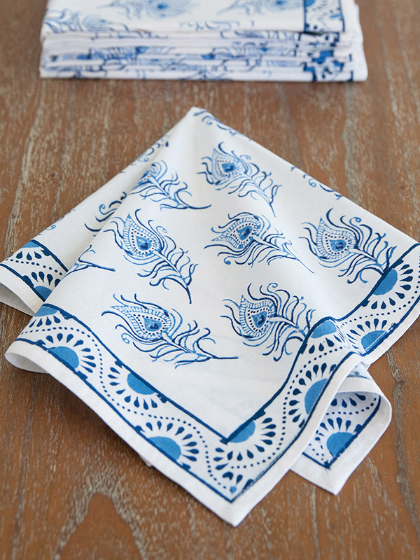 pta_blue_white_peacock_toile_diner_napkins_detail