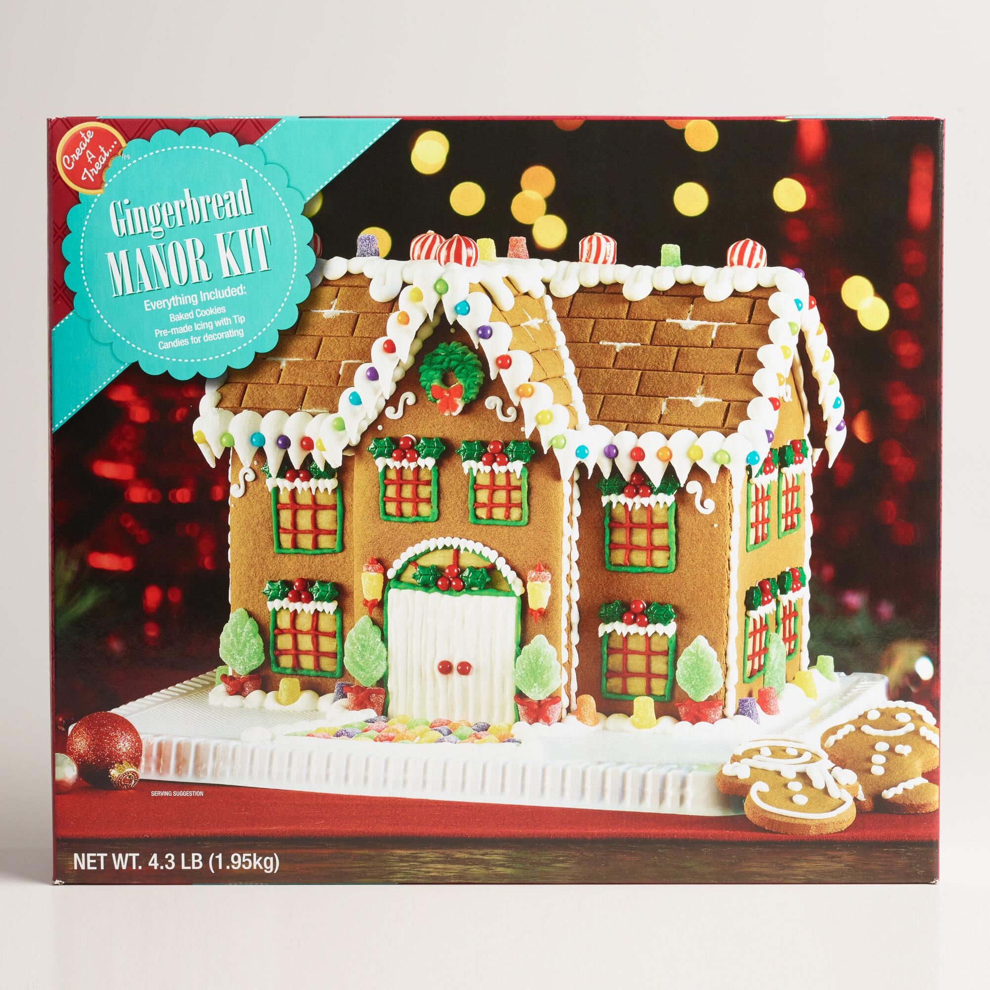 manor-gingerbread-house-wm