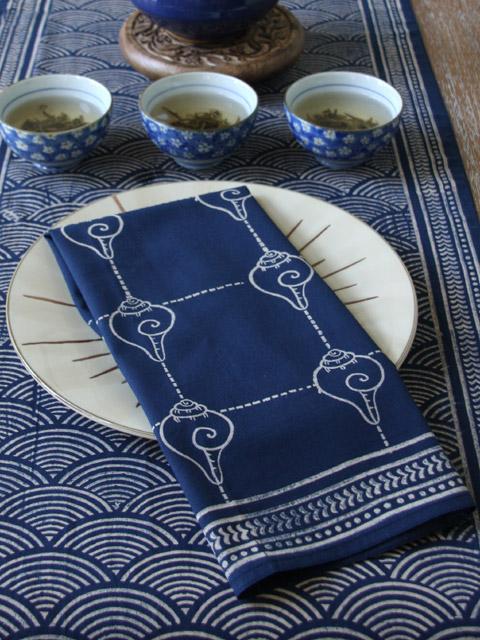 blue napkins for blue fall decor