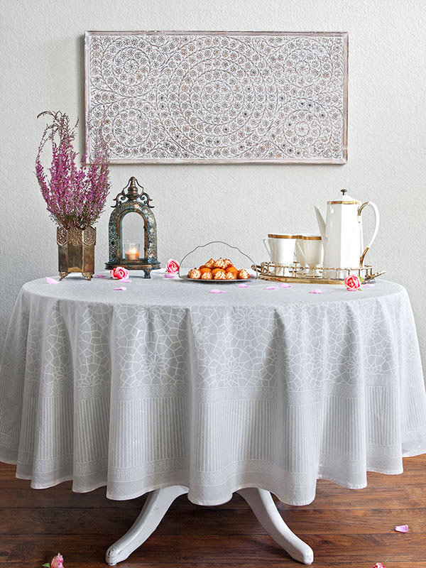 rm_white_medallion_moroccan_round_tablecloth_main