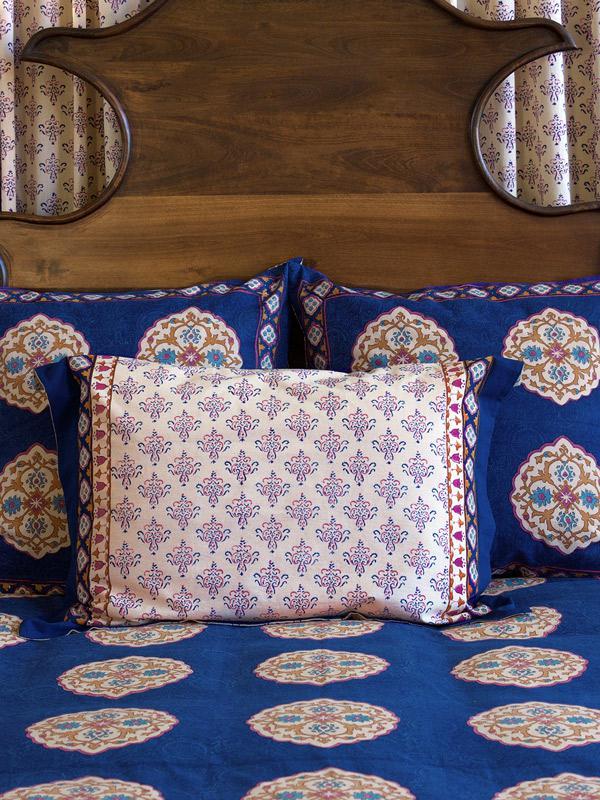 Moroccan bedroom textile
