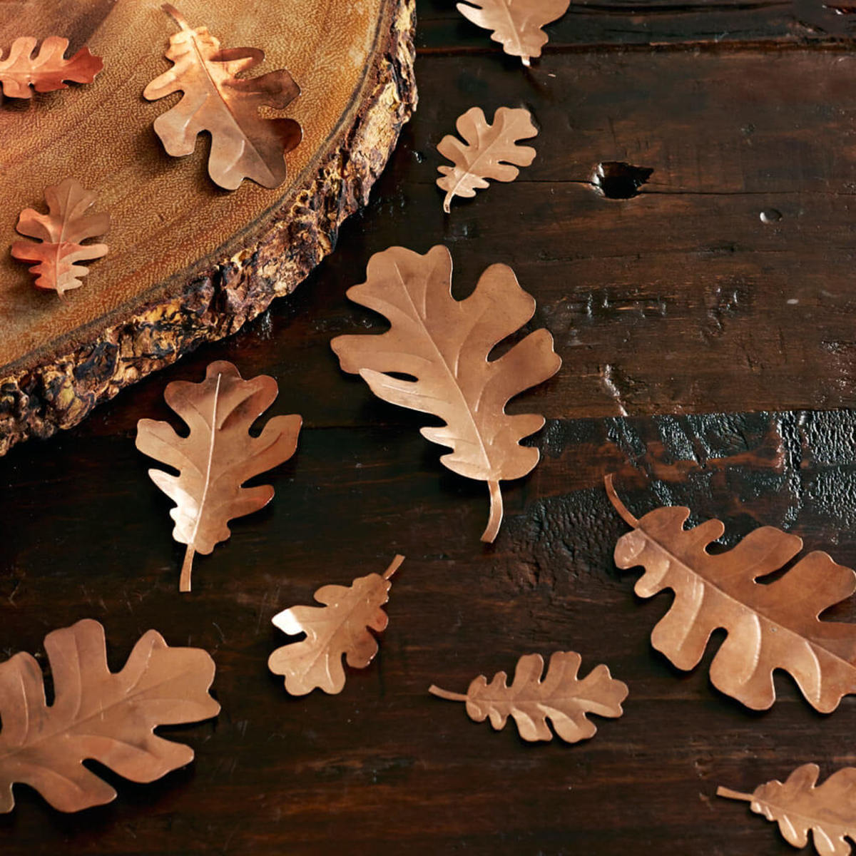 fall table decor leaves