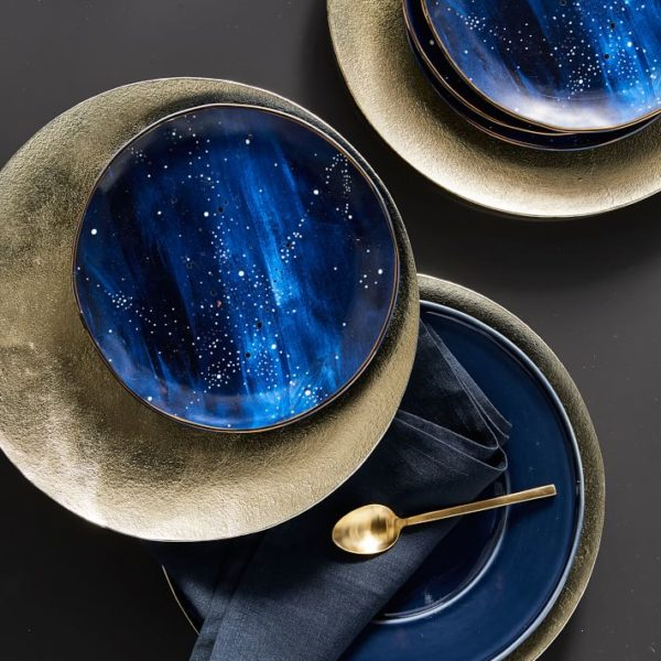 Midnight blue dinnerware topping golden chargers