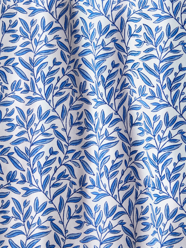 blue and white vine pattern botanical print fabric