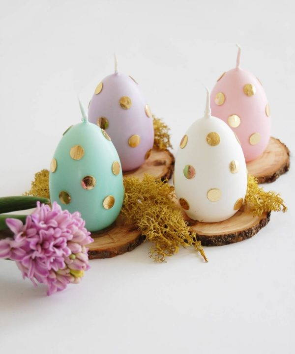 painted eggs with gold polka dogs for an Easter tablescape