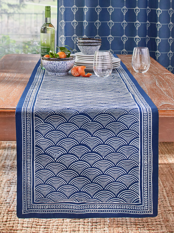 Try a blue table runner for your Thanksgiving table runner