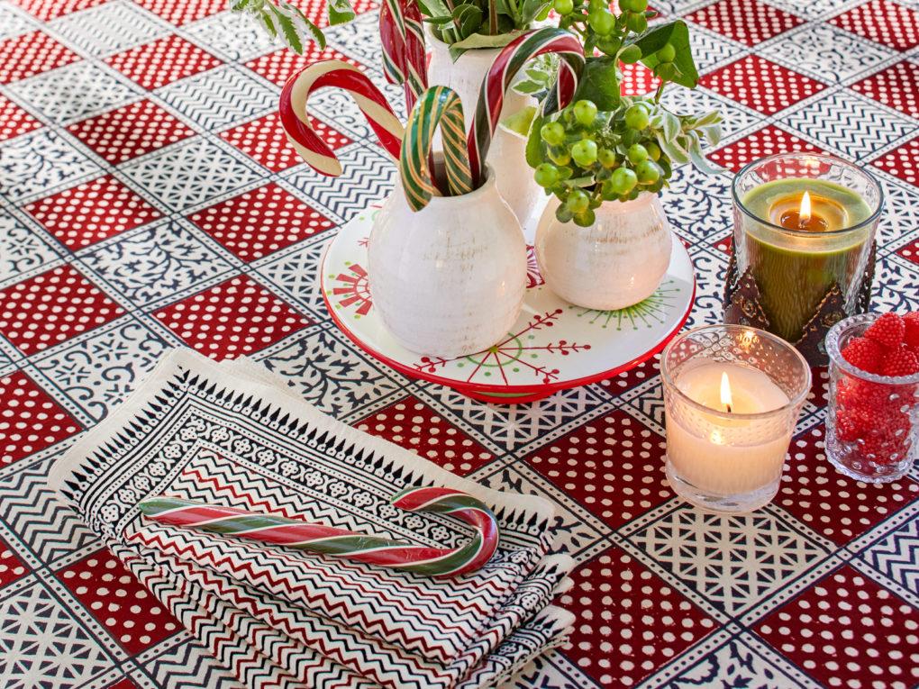 holiday tablecloth, red plaid holiday tablecloth