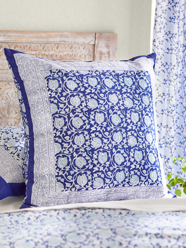 blue and white flower pattern throw pillow cover
