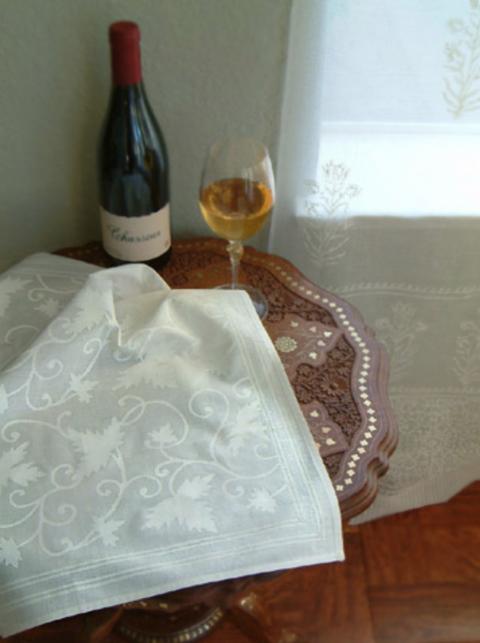 Ivy Lace ~ Elegant White Cotton Cloth Dinner Napkins
