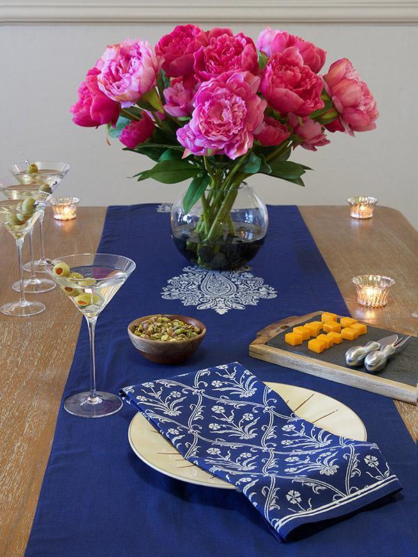 Mood Indigo ~ Modern Navy Blue White Paisley Dinner Napkin