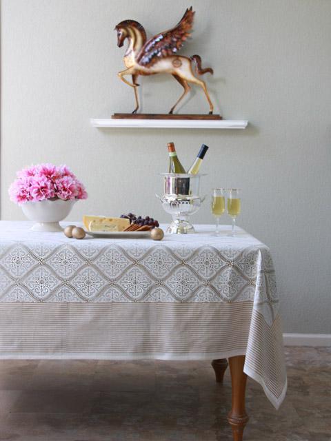 White Gold Romantic Elegant Luxury Tablecloth