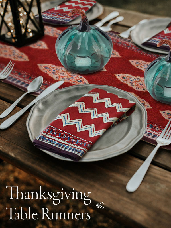 Thanksgiving table runners & Thanksgiving table decor ideas