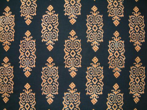 Kilim Noir ~ Designer Black Gold Round Party Table Cloths