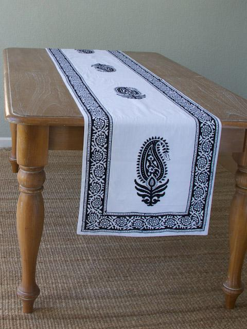 Paisley Au Lait ~ Designer Modern Black And White Table Runner Part 62
