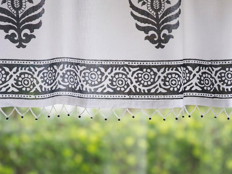 Paisley Au Lait Black And White Beaded Window Valance