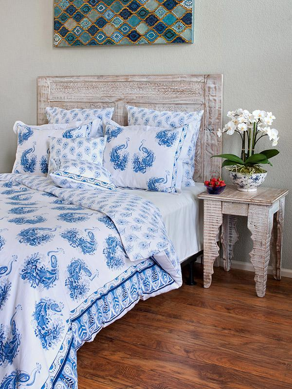 Blue and white bedding and linen, Peacock bedding and Linen
