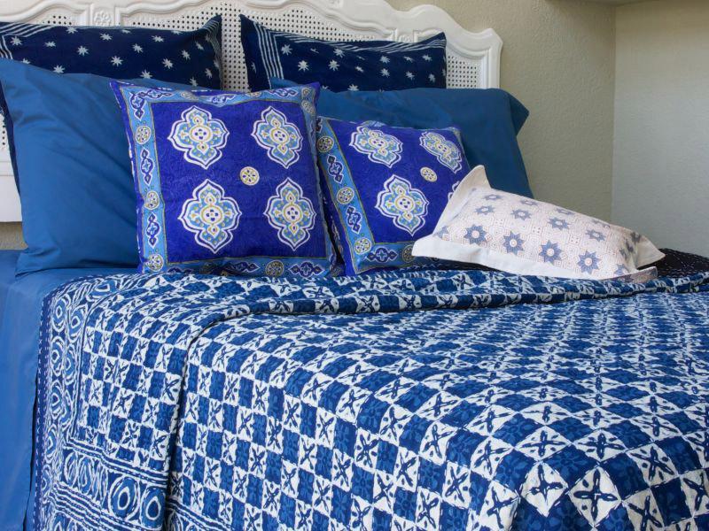 Designer India Blue Batik Quilted King Size Bedspreads Coverlet | Saffron  Marigold