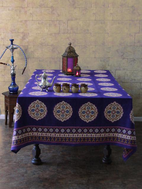 Colorful Holiday Table Linens for Christmas Entertaining!