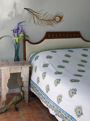 Dance O Peacock ~ Ivory Peacock Feather Print Bedspread