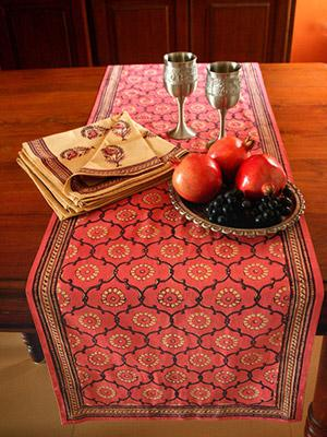 India Rose ~ Decorative Floral Rose Pink Dining Table Runner