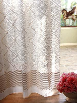 Wonderful Vanilla Glace ~ White And Gold India Curtain Panel