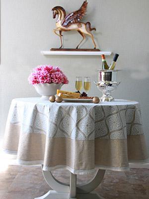 Vanilla Glacé ~ White Gold Romantic Elegant Round Tablecloth