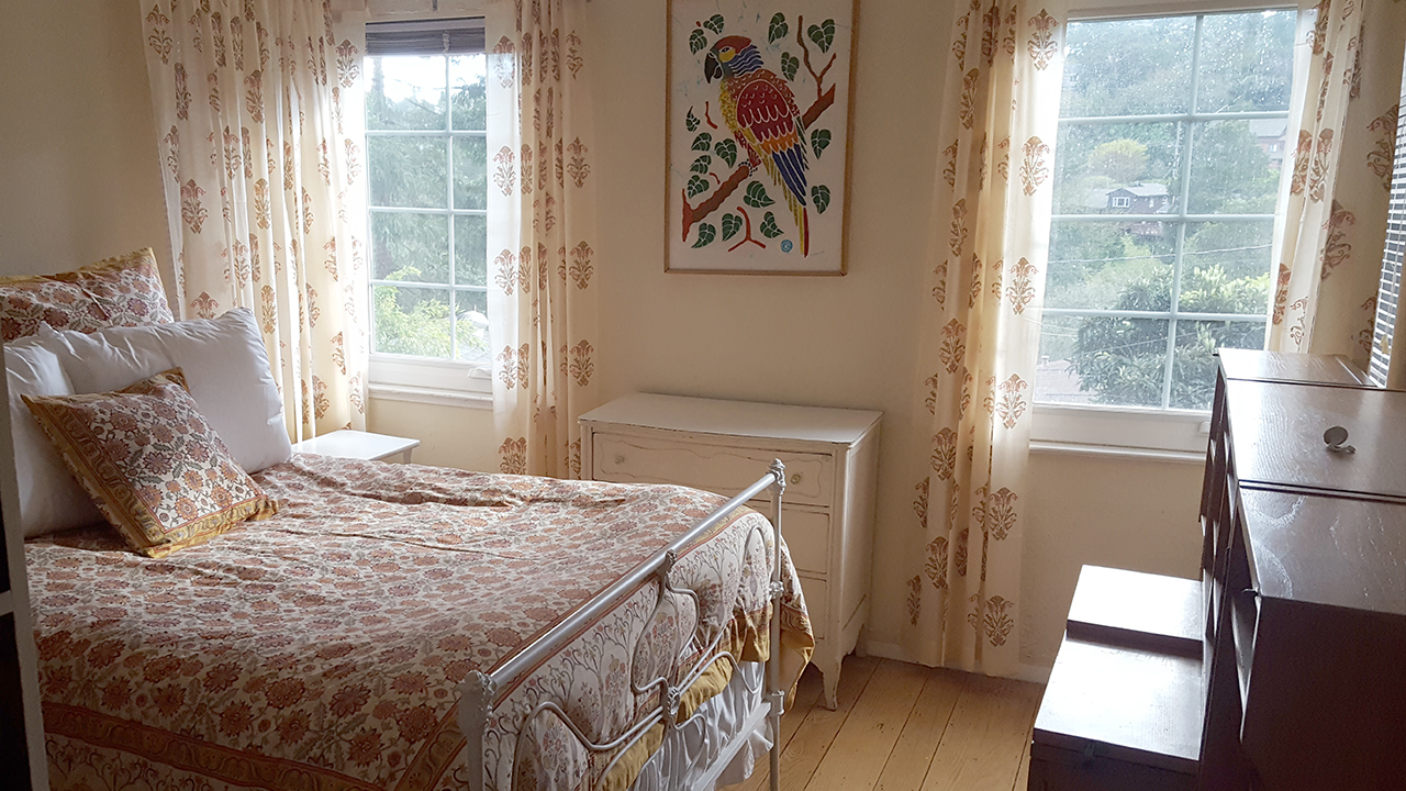 full bed in orange duvet cover